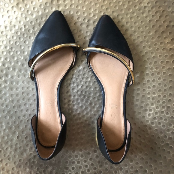 Aldo Shoes - Aldo Size 7 Pointy Toe Flat with Gold Accents